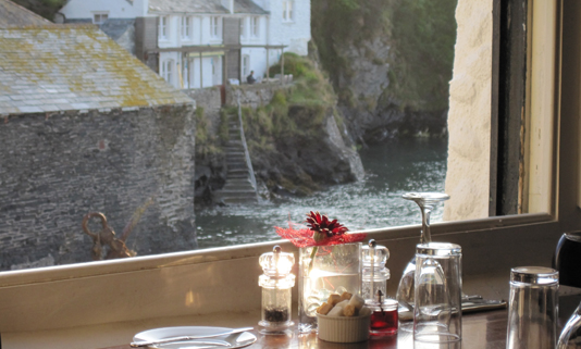 The Mote is confident that its combination of harbour-front location, highly experienced catering team, unique historical building (circa 1542) and access to world-class Cornish ingredients is a recipe for customer satisfaction.